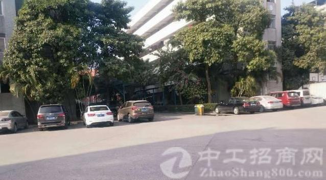 公明镇中心龙大高速出口附近一楼二楼每层1840平方厂房-图4