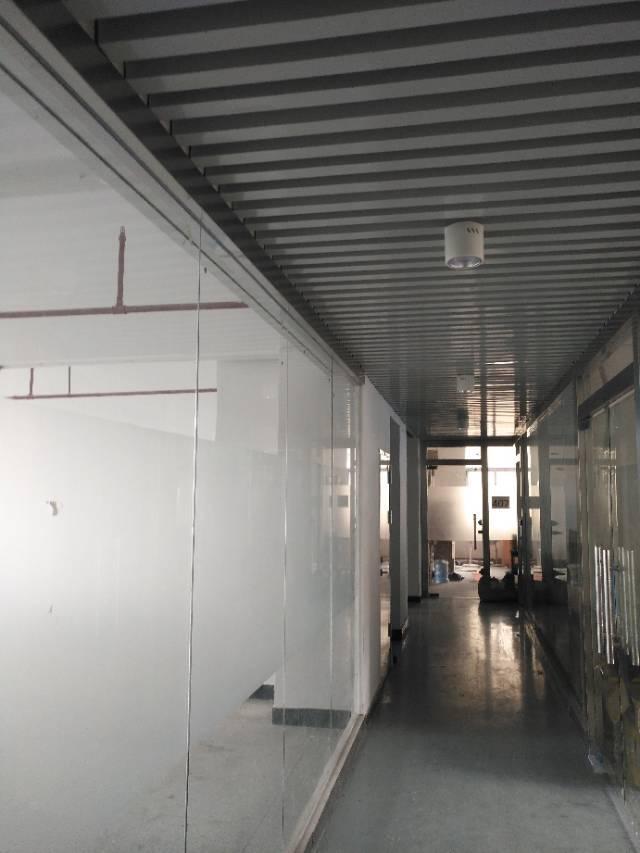 龙胜地铁站精装100平写字楼