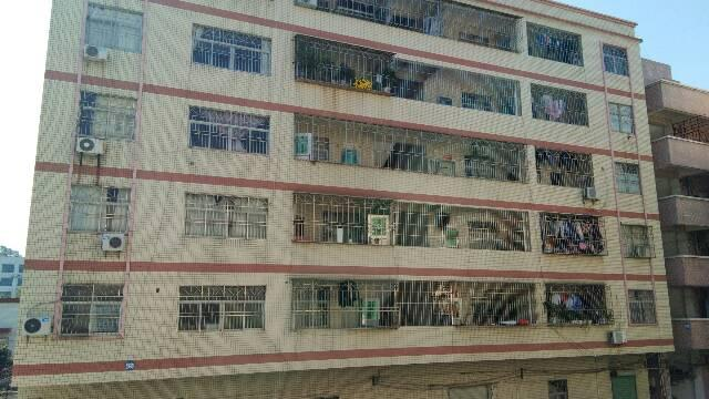 辅城坳工业区楼上标准厂房现成办公室装修-图4