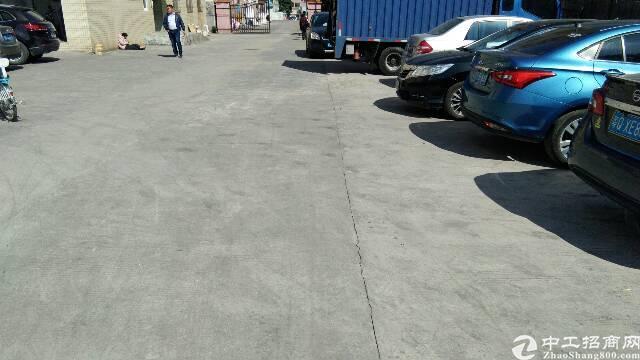 辅城坳工业区楼上标准厂房现成办公室装修-图2