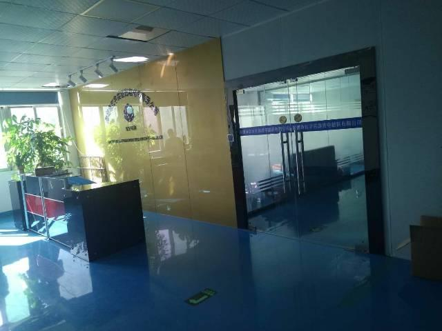 观澜福前路边上新出楼上1600平方无尘车间出租-图4