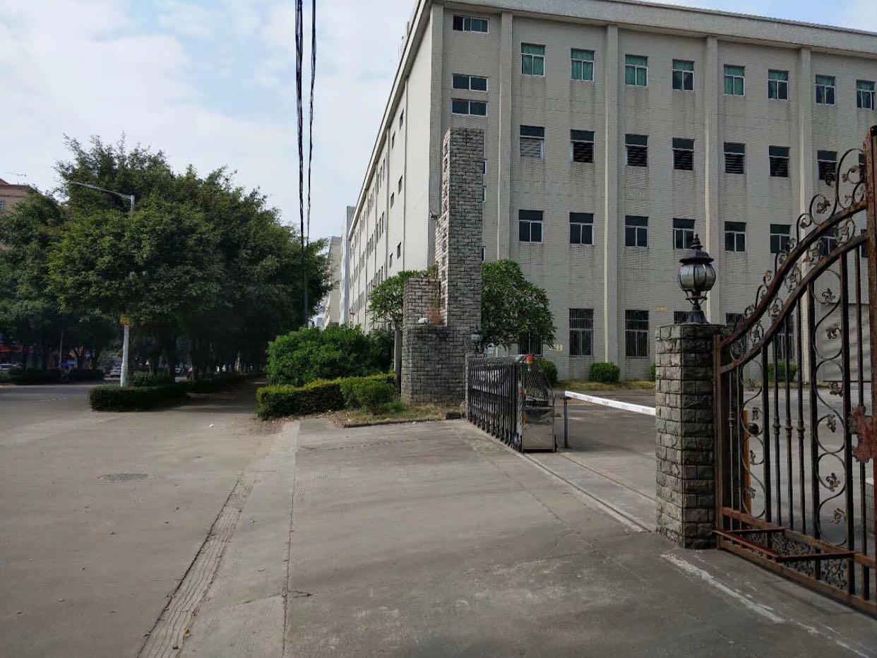坂田周边国有证独院厂房80000平方可分租租金13块钱