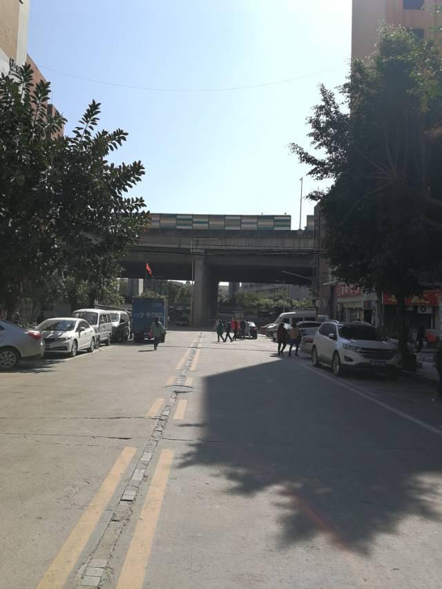 布吉高速入口红本厂房个体户-图4