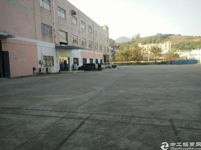 清溪镇高速出口新出原房东一楼厂房2500㎡出租