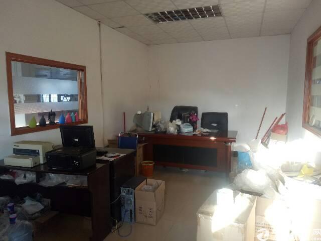 企石新出楼上带办公室装修厂房招租-图3