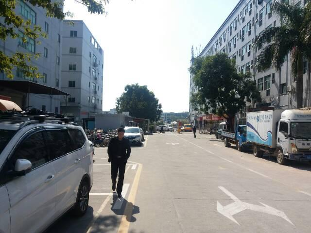 清湖高速口附近原房东4楼厂房1400平方出租