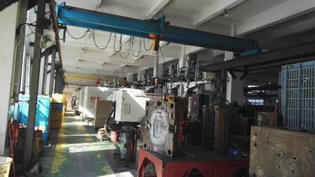 松岗燕川原房东厂房出租一楼1800平方有行车