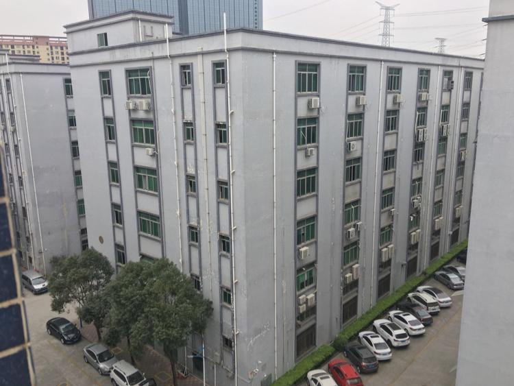 龙华大浪联建科技园精装修厂房3580平招租