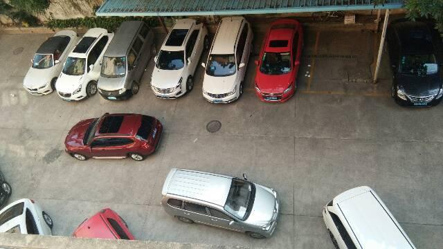 华南城旁装修办公室标准厂房出租