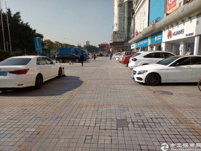 龙华中心区金龙华广场10000平方米招租