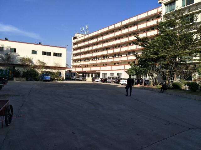 清湖轻轨站台新出独院办公楼一至五层单层700平招租