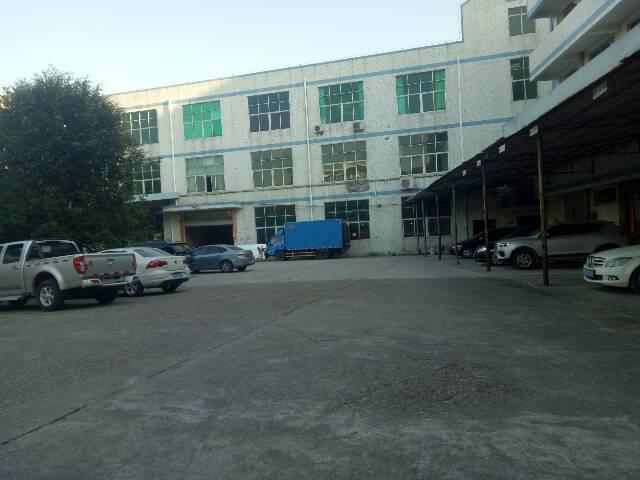 北通道边标准厂房一加二楼2400平米
