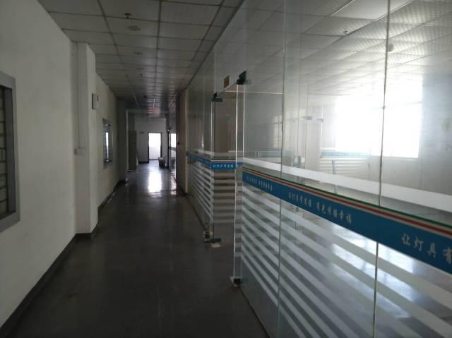 沙井庄村新出楼上1600平带装修厂房