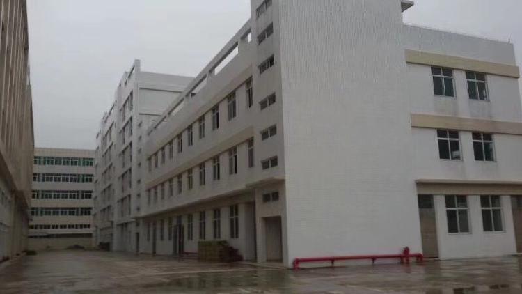 松岗40000平方独门独院红本厂房招租