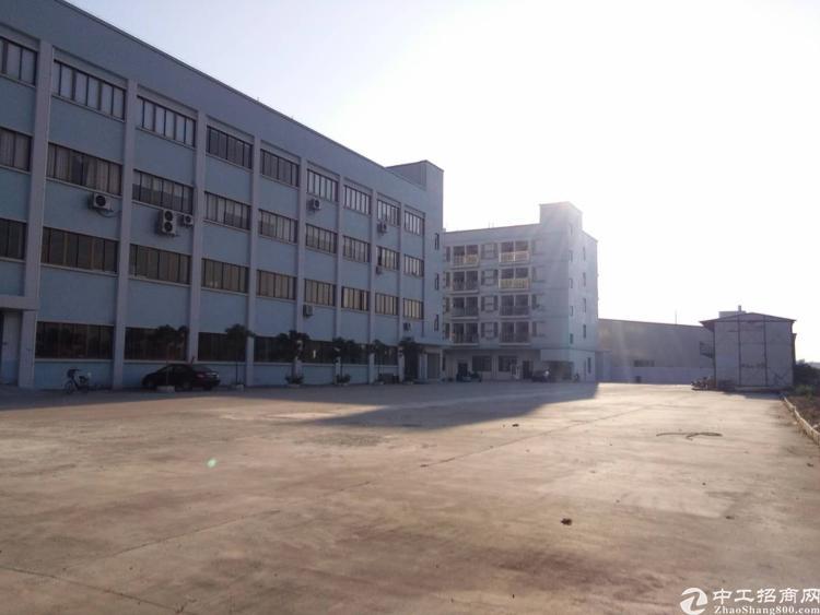成熟工业区新出一楼700和二楼800平方厂房出租