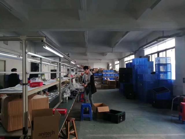 沙井客运站旁边新出950平方带装修厂房招租