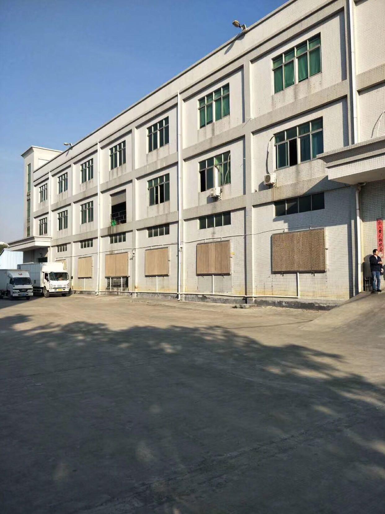 松岗罗田象山大道即将新出楼上厂房800平方米