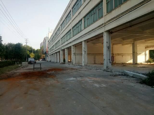 平湖广场新出一万平方可做商业4S店厂房大小分租