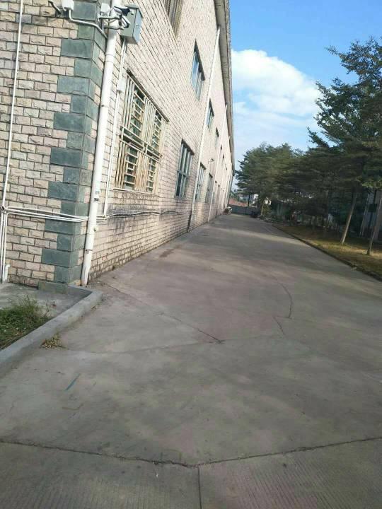 滴水10米3500平米钢构厂房出租