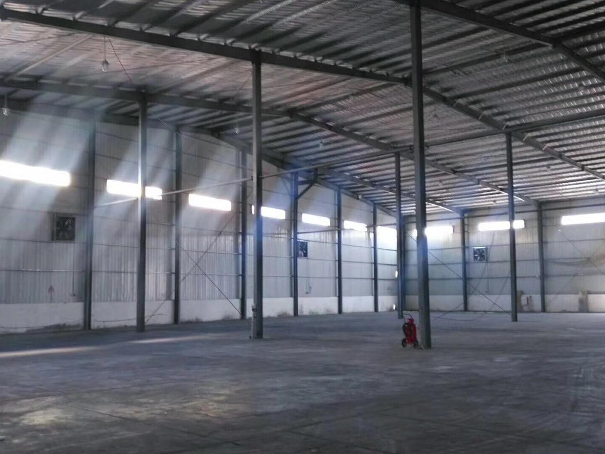 单一成高8米钢构1万8千多平出租