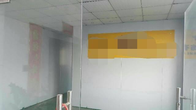 大岭山新出标准厂房三楼1100平方,现成办公室装修-图3