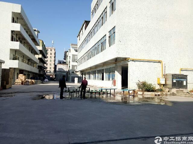 虎门镇北栅新空出独院厂房分租每层3000平方超大空地有篮球场