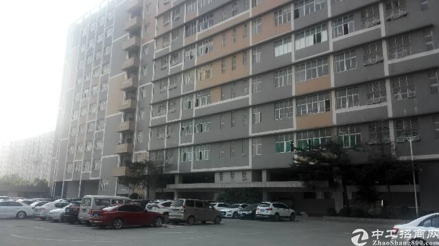 沙井后亭地铁口旁楼上811平方带装修出租