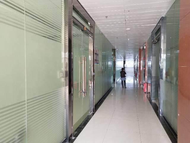 沙井地铁口188平米精装修写字楼出租,图片1