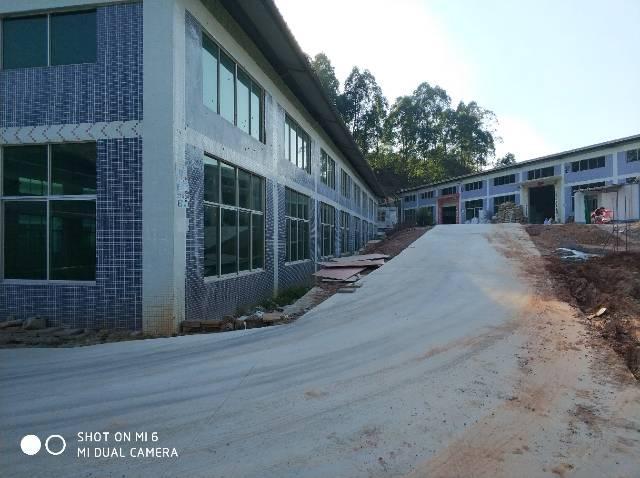 工业园内独栋钢构厂房1100平米招租