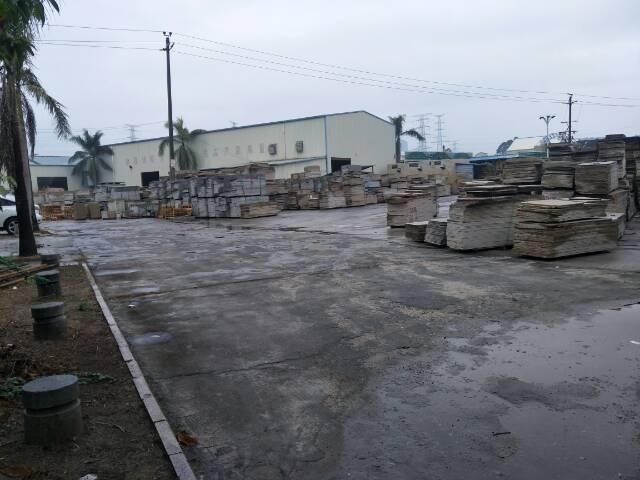 钢构厂房4000平空地10000平方出租