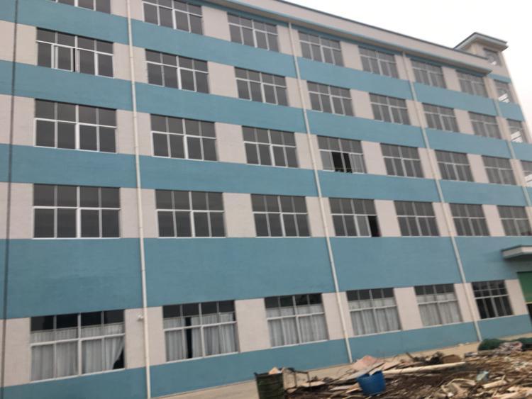 原房东厂房分组楼上2-5楼,每层面积1500平方,没公摊