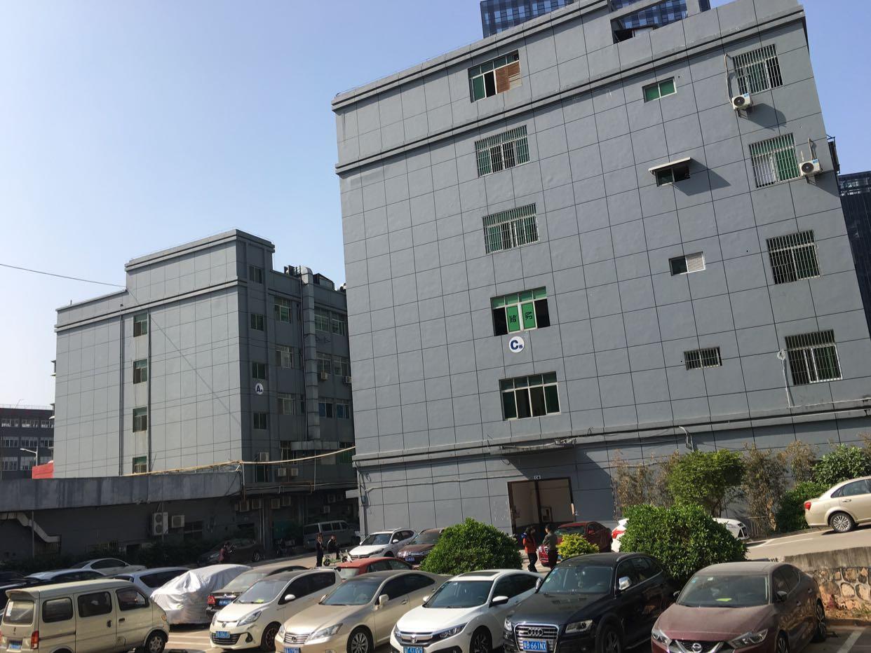 坂田五和地铁站附近独院厂房1-4层每层2680平方可分租