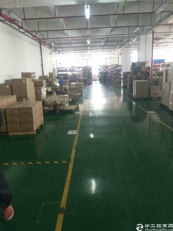 沙井芙蓉工业区新出楼上1500平米厂房出租