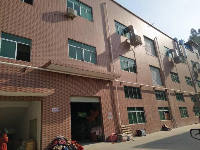 清溪新出标准厂房二楼300平,现成办公室,水电