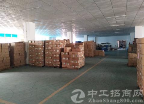 沙井黄埔东环路新出楼上2850平带装修厂房出租