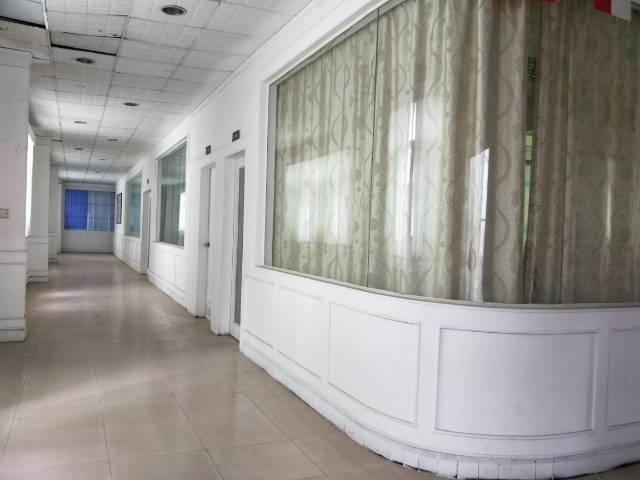 松岗楼岗精品办公楼350平米