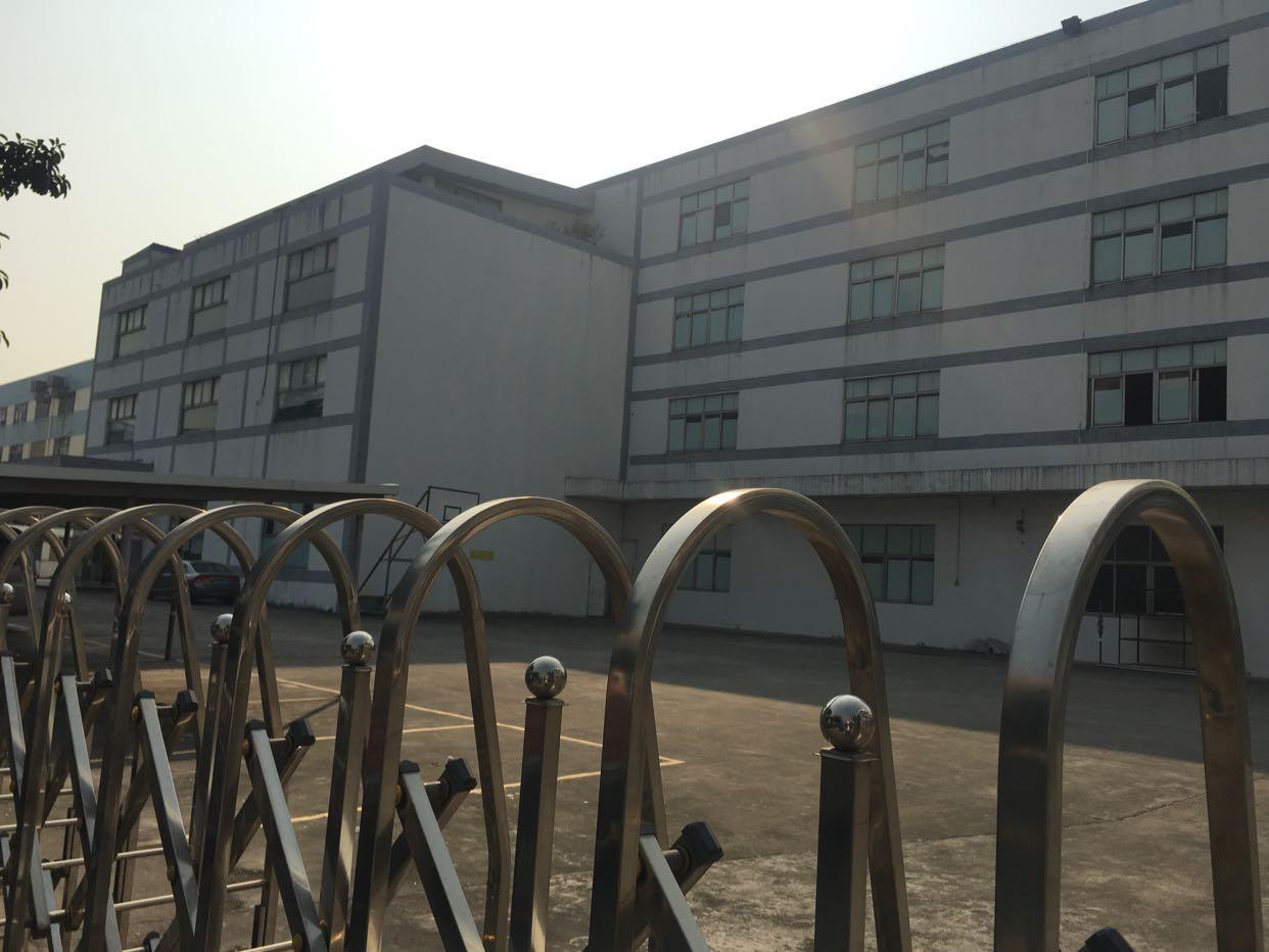 沙井和一新出楼上整层厂房4000平招租