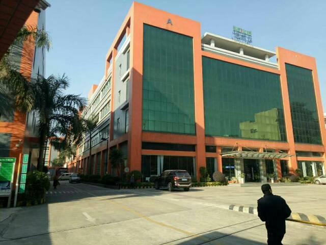 上沙中南广场附近新区楼上一整层1300平方低价出租
