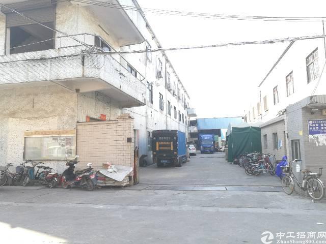 大岭山原房东独院标准厂房招租,两层2900平方独门独院。