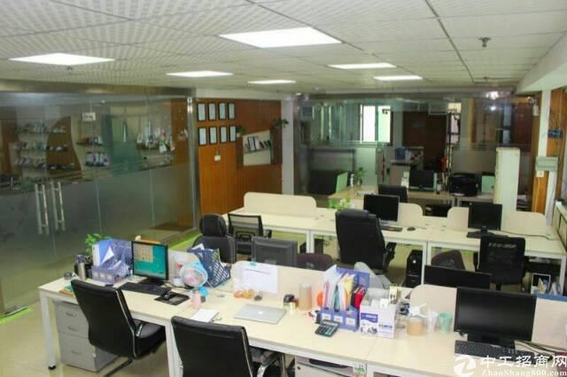 公明玉律工业园区3楼2500平米带装修厂房出租