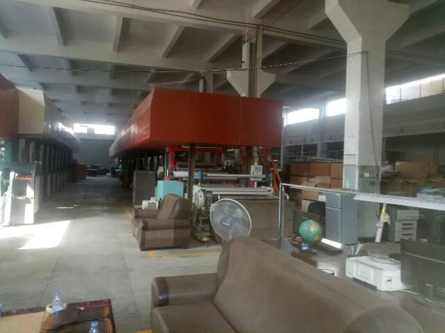 高速出口一楼层高七米带牛角厂房2100平方-图2