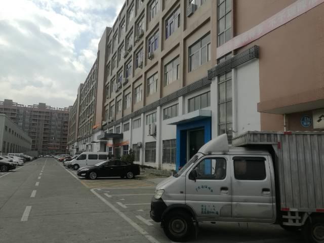 沙井新出大型工业园内楼上整层3900平厂房出租