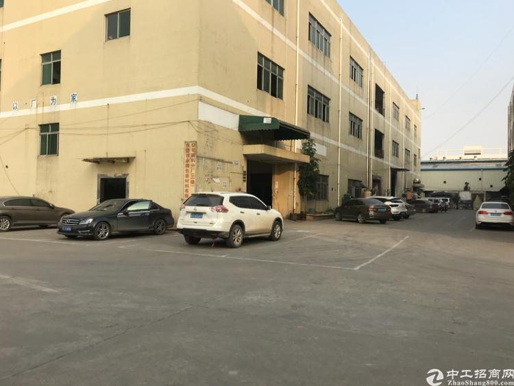 乌沙新出楼上700平米带装修厂房出租