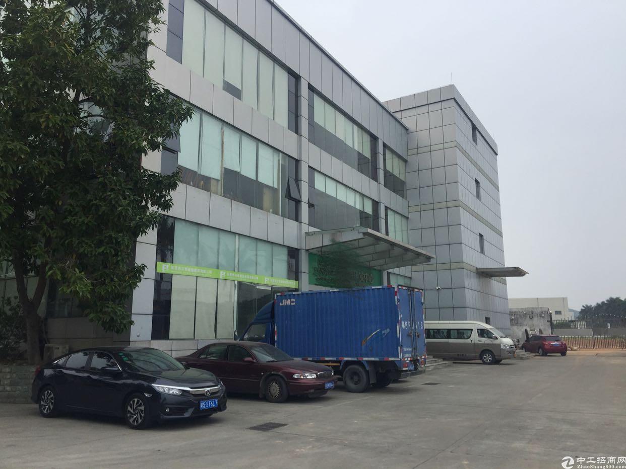 清溪新出楼上带装修厂房3000平米出租