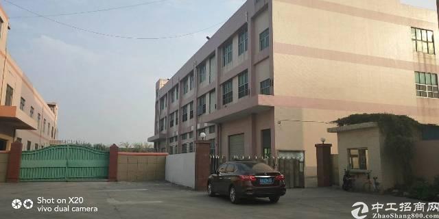 燕川村委旁新出独院1-3层4800平米租金25元每平米