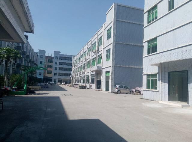 三江工业区原房东二楼2000平方