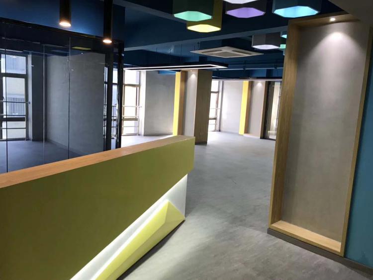龙胜地铁附近新出精装修写字楼无转让费地理位置优越