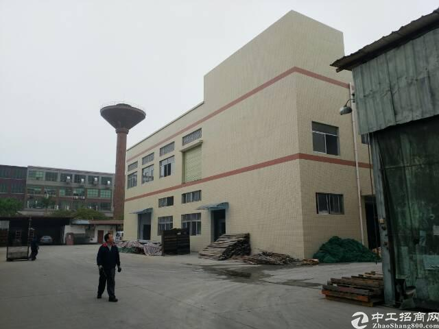 新建厂房二层6400,一楼高七米,二楼五米,