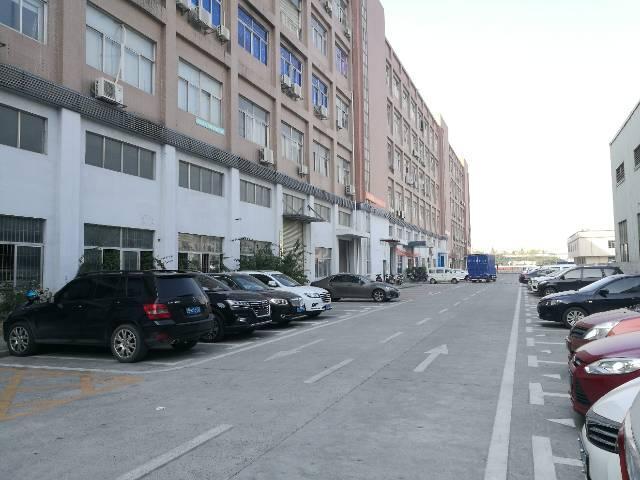 沙井超靓形象厂房带装修出租,不用转让费,3楼整层1200平