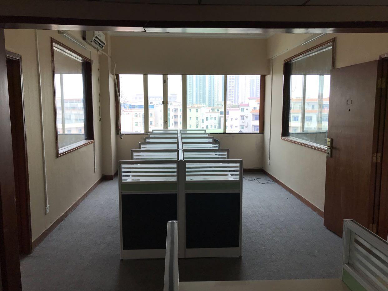 寮步繁华地段写字楼招租、周边商圈配套、交通便利、停车位充足。